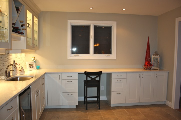 white shaker office wet bar 1