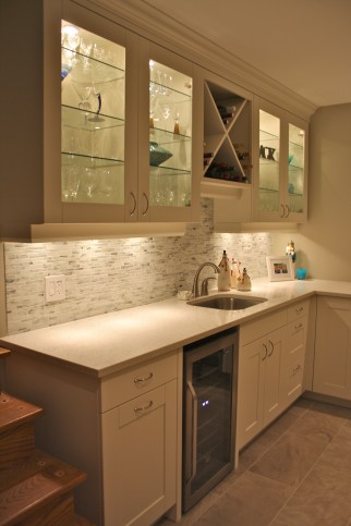 white shaker office wet bar 2